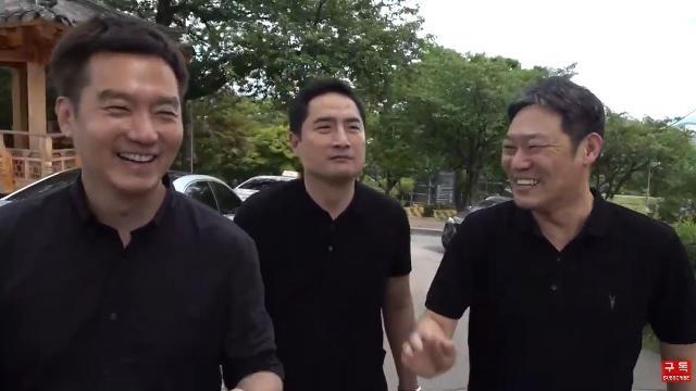 ▲지난 10일 유튜브채널 가로세로연구소 생방송 화면 갈무리.