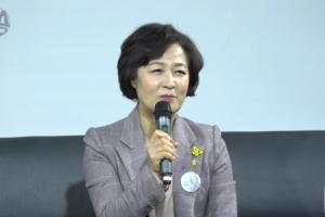 """추미애 전 장관, 조국 가족에게""""온 가족이 위대하다"""""""